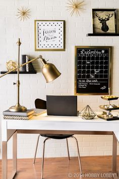 Dress up your office with modern touches and stylish gold.