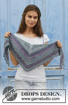 Mon ami / DROPS - free knitting patterns by DROPS design - Mon Ami / DROPS – Knitted scarf with ridges and picot edge. The piece is worked in DROPS D - Knitting Blogs, Easy Knitting, Knitting Stitches, Knitting Designs, Knitting Patterns Free, Poncho Crochet, Knitted Shawls, Drops Design, Kids Poncho