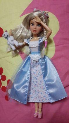 Sophie in wonderland Liv Dolls, Barbie Dolls, Barbie Friends, Pretty Dolls, Descendants, Vintage Barbie, Fashion Dolls, Wonderland, Aurora Sleeping Beauty