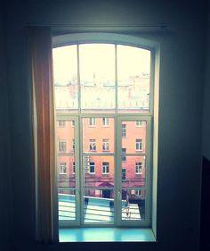 окно....