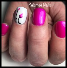 Pink nails Magenta ManiQ with flowers