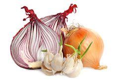 Garlic & Onion for Hair Loss Remedy ? - Garlic & Onion for Hair Loss Remedy ? Flu Remedies, Hair Loss Remedies, Health Remedies, Holistic Remedies, Onion For Hair, Natural Hair Loss Treatment, Wellness Mama, Wellness Tips, Natural Cold Remedies