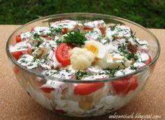 Sałatka z kalafiora i pomidorów Polish Recipes, Bon Appetit, Punch Bowls, Quinoa, Acai Bowl, Potato Salad, Salad Recipes, Grilling, Food And Drink
