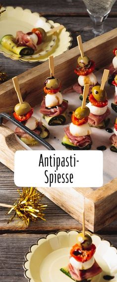 Anything but stuffy: Our REWE recipe for delicious antipasti skewers is … – Snacks – Finger Food Party Finger Foods, Snacks Für Party, Appetizers For Party, Easy Canapes, Party Buffet, Roasted Almonds, Antipasto, Food Lists, The Best
