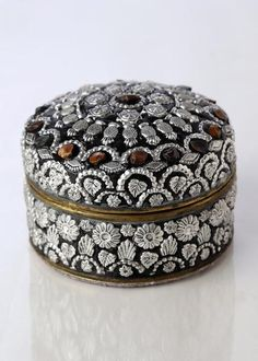 Antique metal box with classy designer work done by artisans of Jodhpur. Ideal for storing collector and rare items. You might fall in love at the first sight of this box ! Antique Boxes, Antique Metal, Metal Box, Ethnic, Artisan, Classy, Antiques, Antiquities, Antique