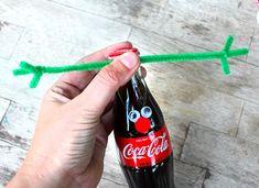 How to Make Coca-Cola Bottle Reindeer - Popsicle B Reindeer Christmas Gift, Reindeer Craft, Christmas Crafts For Gifts, Christmas Ornament Crafts, Diy Christmas Tree, Christmas Ideas, Christmas Cards, Coke Bottle Crafts, Coca Cola