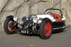 The ACE Cycle Car, a Morgan styled 3 wheeler powered by a Harley Davidson V-Twin. It's been a little while since I checked out the Ace website and Pete Larsen, the builder of this very sweet little machine, dropped me a line to let me know he's been busy and the site is all new. It certainly is! Loads of new photos of the ACE, in the original red and now, also in white.