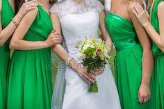 Zblízka nevěsta a družičky — Stock obrázek #99684418
