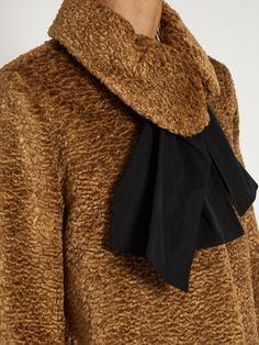 Isa Arfen Asymmetric-collar embossed-velvet coat