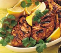 Tandoori dishes are one of the healthiest options in most Indian restaurants because the food is cooked without fat in a tandoor oven. At home, broiling gives similar results. These lean tandoori-style chicken breasts are served with creamy raita. Chicken Fillet Recipes, Grilled Chicken Breast Recipes, Chicken Breast Fillet, Healthy Chicken, Chicken Breasts, Healthy Indian Recipes, Healthy Grilling Recipes, Ethnic Recipes, Chester