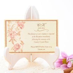 Tarjeta RSVP de boda romántica con acuarela delicada de flores en tonos rosas. Danubio