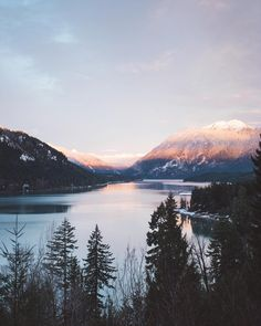 Sunrise at lake Cushman  Me and @kimberleeannev are on route to a fun weekend in Oregon. So stoked about the start of the new year!
