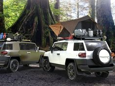 A Slimline II Roof Rack for your Toyota FJ Cruiser, that will mount directly on to your vehicles roof, using custom made feet for the FJ Cruiser's roof. Please note that due to the extreme curvature o