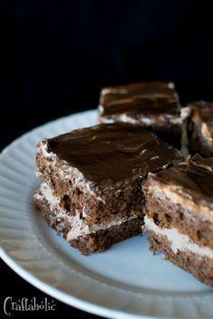 Η τέλεια σοκολατίνα μου - Craftaholic Greek Sweets, Greek Desserts, Party Desserts, Pastry Recipes, Sweets Recipes, Sweets Cake, Cupcake Cakes, Summer Cakes, Chocolate Desserts