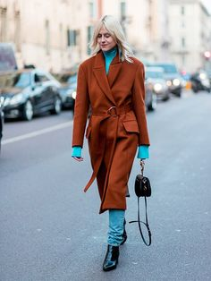 "The ""Ugly"" Color-Pairing Trick Even Minimalists Will Love Olivia Palermo, Milan Fashion Week Street Style, Street Style 2017, Fashion Week 2018, Street Style Trends, Street Style Looks, Cool Street Fashion, Milan Fashion Weeks, Airport Fashion"
