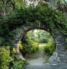 japanese moon gate