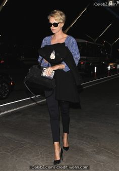 Celebrities at Los Angeles International Airport http://www.icelebz.com/events/celebrities_at_los_angeles_international_airport/photo1.html