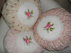 Inspiration. Tilda Pillow | Flickr - Photo Sharing! Pillow Tutorial, Round Pillow, Sewing Tutorials, Decorative Plates, Shabby Chic, Bedroom Decor, Pillows, Spring, Crafts