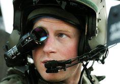 El príncipe Harry en Afganistán #realeza #royals #royalty #prince