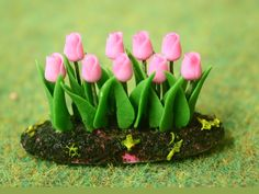 Dolls House Tulips from The Wonham Collection. FL47.