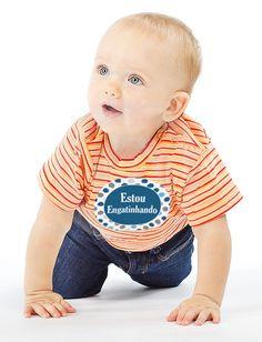 Adesivos para Bebês de 1 a 12 meses.  O jogo de etiquetas para meninas contém os 12 adesivos para Bebês mostrados nos detalhes do produto.    Escolha os adesivos para suas barriguinhas favoritas.  Adesivos removíveis que ajudam a fotografar cada mês do primeiro ano do seu Bebê com estilio e facil...