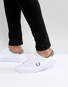 FRED PERRY SPENCER CANVAS SNEAKERS IN WHITE - WHITE. #fredperry #shoes #
