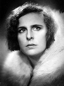 Casa L: Leni Riefenstahl. El Calendario Cultural de Bautis...