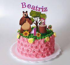 Masha e o Urso, para o 4° ano da Beatriz. . . Topo de bolo: @tharomero_personalizados . . . #mashaeoursoparty #bolomashaeourso #bolomasha #festamashaeourso #mashaeourso #bolosguarulhos #guarulhos #cakesabory #cake #chantininho Third Birthday Girl, 3rd Birthday Cakes, 2nd Birthday Parties, Picnic Birthday, Bear Birthday, Masha Cake, Marsha And The Bear, Beautiful Birthday Cakes, Bear Party