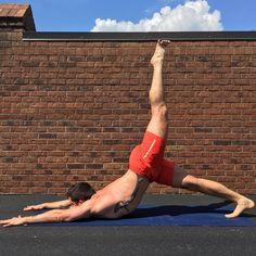 #realmendoyoga #yogadudes #yogaeverydamnday #fitness #guyswithtattoos #picoftheday
