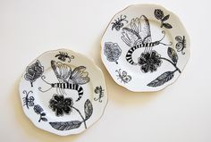 Cornelia O'Donovan. Small plate. Hand drawn white porcelain with guilding.