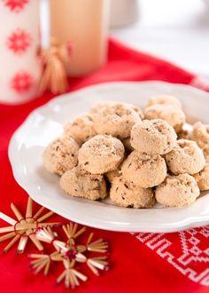 Vánoční cukroví: Milujete ořechy? Zkuste tyhle tři recepty! - Proženy Crinkles, Healthy Baking, Biscotti, Food And Drink, Candy, Cookies, Sweet, Christmas, Recipes
