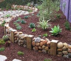 Vyvýšené záhony kamenů