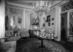 Interiores - salinha. Fotografia sem data. Produzida durante a actividade do Estúdio Mário Novais: 1933-1983.  [CFT003.022777.ic]
