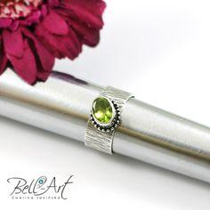 pierścionek z oliwinem, biżuteria autorska Bell-Art, silver ring