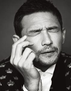 Hwang Jung Min - Harper's Bazaar Magazine August Issue Korean Men, Korean Actors, Cha Seung Won, Yoo Ah In, Choi Seung Hyun, Kim Woo Bin, Stuff And Thangs, Facial Expressions, Hair Inspo