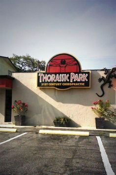 This pun is a pain in the neck. | 27 Stores That Were Named By Absolute Geniuses