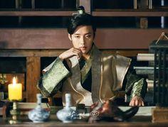 Wook thinking about the conspiracy(? Korean Drama Movies, Korean Actors, Korean Dramas, Kang Ha Neul Moon Lovers, Scarlet Heart Ryeo, Kang Haneul, Handsome Prince, Happy Pills, Lee Joon