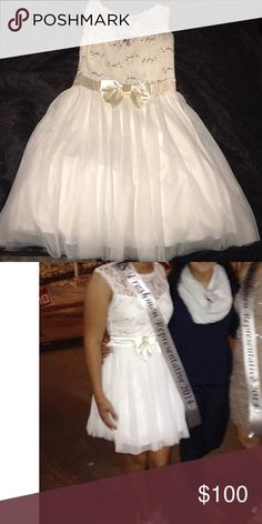 homecoming dress beautiful white homecoming dress. gorgeous classy but yet simple. worn only once perfect condition. one of my absolute favorite dresses 🌬💎⚪️🗯 Dresses Prom