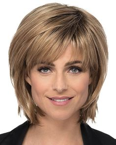 """It can not be repeated enough, bob is one of the most versatile looks ever. We wear with style the French """"bob"""", a classic that gives your appearance a little je-ne-sais-quoi. Here is """"bob"""" Despite its unpretentious… Continue Reading → Short Hair With Layers, Short Hair Cuts For Women, Layered Hair, Short Layered Bob Haircuts, Short Bob Hairstyles, Cool Hairstyles, Hairstyles Videos, Pixie Haircuts, Medium Hair Styles"""