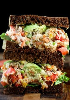 "Loaded Chicken (or Tuna) Salad with Greek Yogurt Ranch ""Mayo"" aka Crack Chicken . Loaded Chicken (or Tuna) Salad with Greek Yogurt . Tuna Fish Salad, Chicken Salad, Mayo Chicken, Tuna Avocado, Avocado Salad, Garlic Chicken, Greek Yogurt Ranch, Greek Yoghurt, Clean Eating"