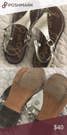 946c98b8b7cd Sam Edelman Greta Thong Sandals in Gold Super cute sandals in gold. Only  worn a