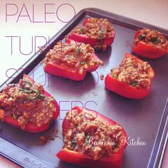 Turkey Stuffed Peppers #Paleo recipe. Easy and quick and only 151 calories! #celebritybod #juiceplusfood