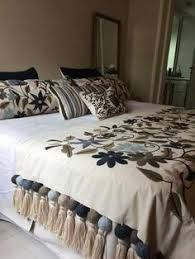 20 Color Embroidery Bed Wrap Cover and Pillow Models - Home Arragement Draps Design, Bed Wrap, Bed Cover Design, Designer Bed Sheets, Living Room Decor, Bedroom Decor, Diy Pillows, Home Decor Furniture, Bed Covers