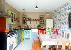 Country kitchen diner - © Douglas Gibb/GAP Interiors