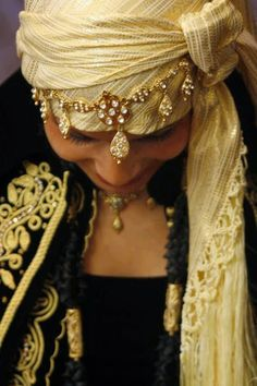 Mariage Algerie: Le Karakou, M'harma Karakou - Traditional Algerian Bridal Tunic - Algerian Bride - Algerian Weddings
