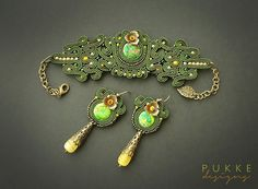 Set of green bracelet and earrings by pUkke on Etsy