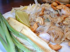 Pad Thai - This Pad Thai recipe is how you actually find it in Bangkok and comes. - Pad Thai – This Pad Thai recipe is how you actually find it in Bangkok and comes from testing hun - Thai Recipes, Asian Recipes, Cooking Recipes, Oriental Recipes, Cooking Hacks, Yummy Recipes, Pad Thai Receta, Best Pad Thai Recipe, Risotto