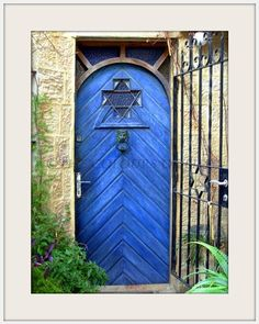 Ultimate colbalt blue - found in Paris by a blogger.,,,,beautiful door