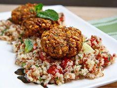 Falafel on Tabbouleh, delicious Arab food combo! Tabbouleh Recipe, Falafel Recipe, Veggie Recipes, Healthy Recipes, Veggie Food, Rice Recipes, Vegetarian Recipes, Recipies, Dinner Recipes