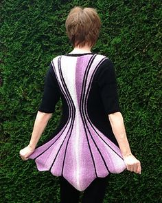 The sanduhr hourglass tunic deduces its name from the pattern shape – it even shows a waistline if there is none Crochet Scarf Diagram, Fingerless Gloves Crochet Pattern, Crochet Cardigan Pattern, Sweater Knitting Patterns, Knitting Designs, Knitting Short Rows, Summer Knitting, Knit And Crochet Now, Knit Picks